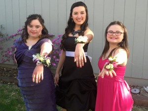 prom girls wrist corsages