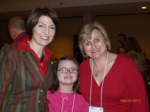 Rep. McMorris-Rodgers (R-WA), Rachel and Jawanda at BWW 2012